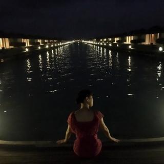 夜です。のんびり散歩していました。