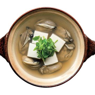 2.[三重県]牡蠣の湯豆腐鍋