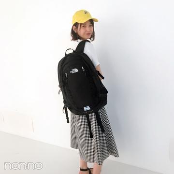 渡邉理佐は「黒リュック」をスカートコーデのアクセントに♡【毎日コーデ】