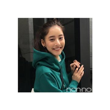新木優子のパーカ×ミニで作るやんちゃコーデが可愛すぎ!【毎日コーデ】