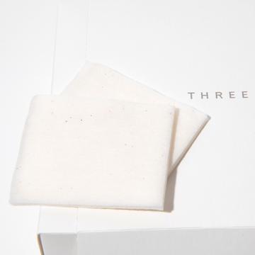 THREEのコットンは、100%オーガニックコットンを使用。
