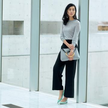 美色スエードパンプス&ビジュー靴で、春の足元印象をバージョンアップ 五選