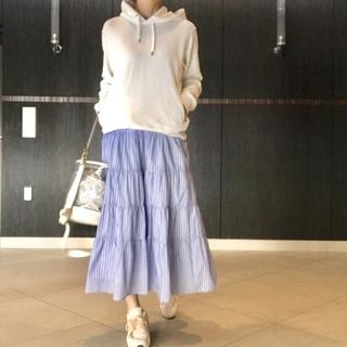 【UNIQLO】大人気メンズスウェット×きれいめスカート