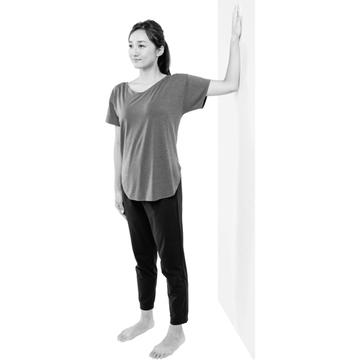 【1日5分 首コリ改善ストレッチ④】脱・ねこ背の胸ストレッチで姿勢を正しく保つ