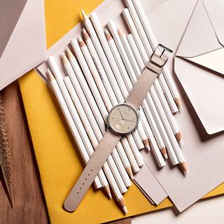 シンプルで優美。大人の女性に似合う「ノモス グラスヒュッテ」の機械式時計 3選