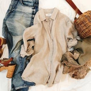 私のベージュコーデは、UNIQLO名品リネンシャツ!