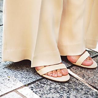 ☆ギリギリ丈パンツで 隠れ脚長効果を期待
