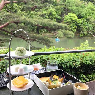 新緑のきれいな嵐山・茶寮八翠のテラス席