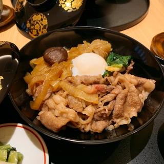 舌先でとろける究極の牛丼。銀座『牛椀 紀尾井坂』でハイカラ☆ランチ会