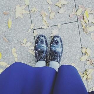 お散歩の時はチャーチの靴が活躍中✨