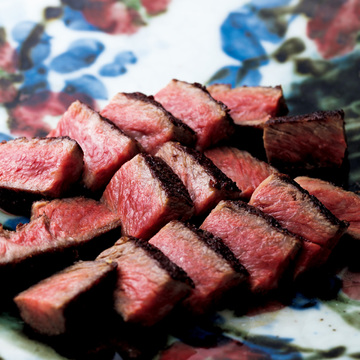 2.最高鮮度の肉を駆使した 創作料理を和の風情とともに にくの匠 三芳