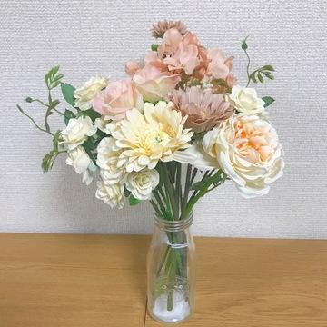 100均のお花でお洒落な部屋に❤︎