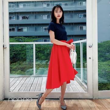 鈴木友菜が着るネイビーTのマンネリ打破する華やかコーデ【毎日コーデ】