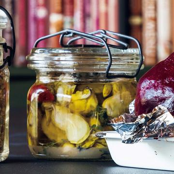 <冬のおもてなしレシピ>牡蠣のハーブオイル漬けをブルスケッタに