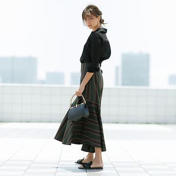 スカートやワンピースで楽しむ、アラフィーの【女らしいカーキ 3スタイル】