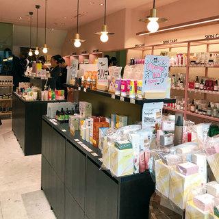 人気のコスメセレクトショップが 初の路面店をオープン!