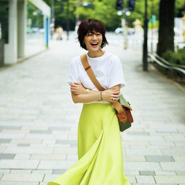 アラフィーの理想が全部つまっている!富岡佳子の夏私服 五選