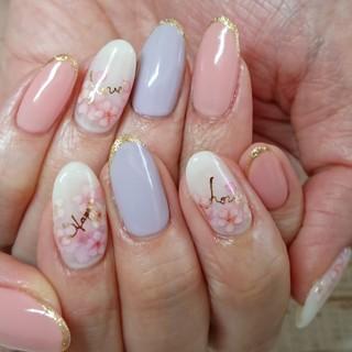 """よーーく見ると、桜の指には""""Happy""""と""""Love""""💕"""