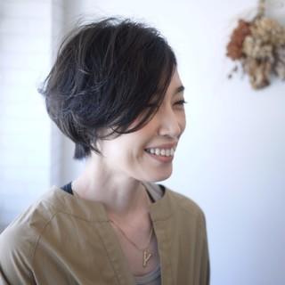 """""""ショート×パーマ""""で動きのある髪型に!"""