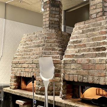 丸の内レストラン「A16」の店内ピザ焼き窯