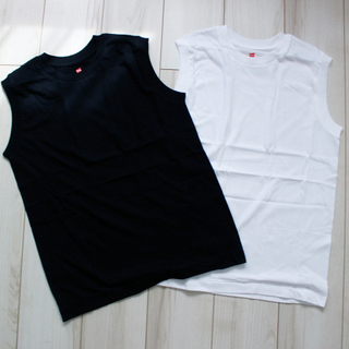 『Hanes』×『BIOTOP』ノースリーブTシャツで真夏を乗り切る。