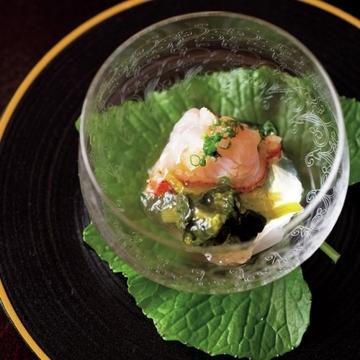 海外で活躍してきた和食の料理人の、創意工夫ある味を楽しむ『麻布 さおとめ』