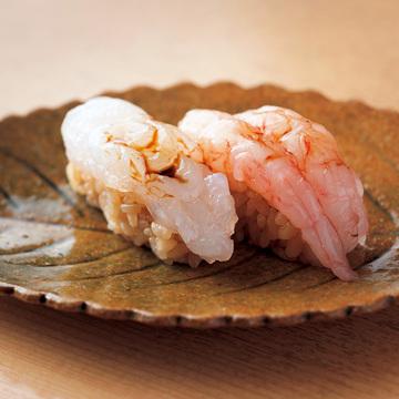 """4.ご主人の個性的な鮨で """"富山の海の幸"""" を存分に 鮨し人"""