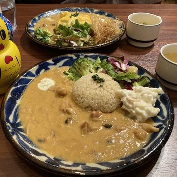 【池袋グルメ#1】まるで夢の国?!ビーフストロガノフ食べるならここ!