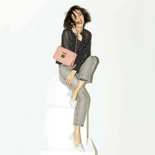 楽だからじゃない!アラフォーファッションの主役になる「フラット靴」| 40代ファッション