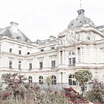 フランスで1年間の留学生活が始まりました♡