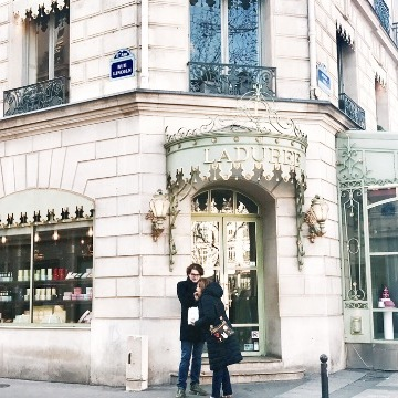 【パリ】全国の夢見がち女子へ。プリンセス気分を味うLadurée本店レポ♡