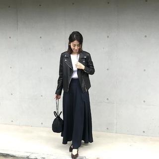 MY定番スタイル!ライダース×揺れスカートの甘辛コーデ