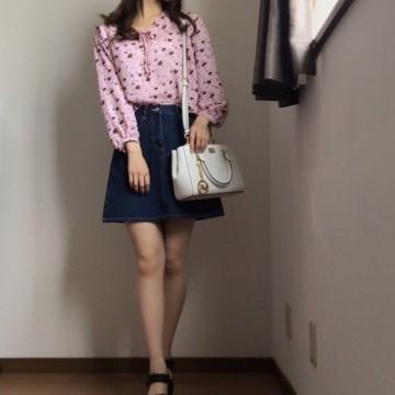 定番デニムスカートをシーン別に着回す!!