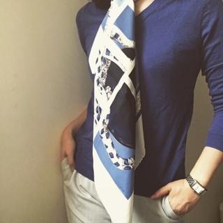 オフィスコーデにスカーフで働く女っぷり足し!_1_2-1