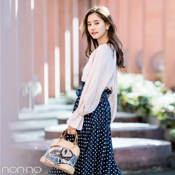 新木優子が着る★この春、盛れるのは水玉模様の揺れスカート!