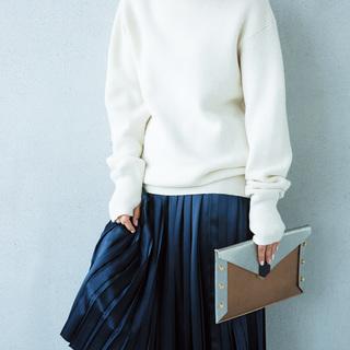 ■プリーツスカートのフェミニンコーデ