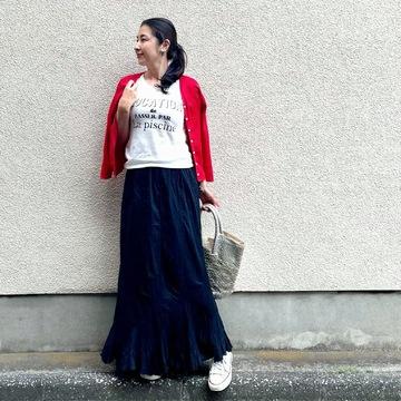 春の黒スカート♡軽やかに着こなすコツ