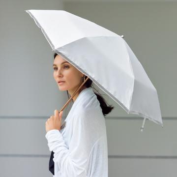 女らしさと上品さを備えた、高機能折りたたみ傘
