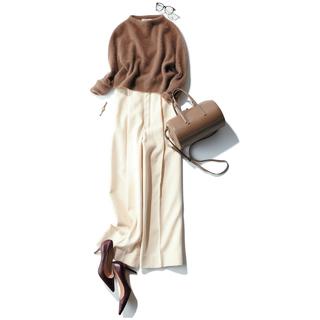 白コート&差し色バッグコーデからハンサムパンツコーデまで