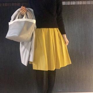ニット&スカートの定番アイテムが新鮮に見える!今から取り入れたいカラー