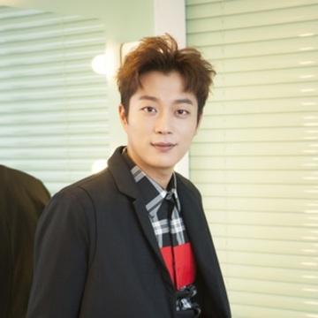 [韓チャンネル]ドラマ「ゴハン行こうよ♥」シリーズが話題の BEAST ユン・ドゥジュンさんインタビュー