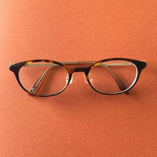 忍び寄る老眼に備えて、手元も遠くもしっかり見えるメガネを新調しました!