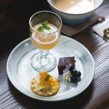 奈良散策途中に立ち寄りたい、大正期の趣漂う喫茶室 工場跡事務室