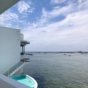 [富岡佳子private life]目の前は海です