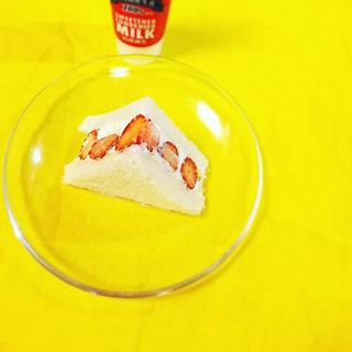 今が旬!休日のおやつに作りたい「いちごのフルーツサンドイッチ」