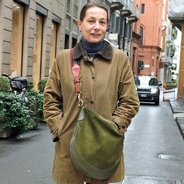 グリーン&レッドを効かせ色に!おしゃれマダムスタイル4<パリ&ミラノスナップ>