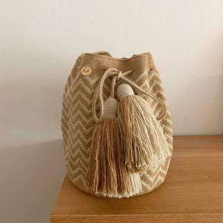 夏バッグにおすすめ!ワユー族の芸術を伝える鮮やかで美しいバッグ「AALUNA(アアルナ)」