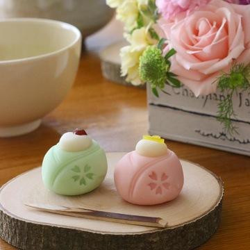おひなさまの和菓子でちょっとひと息♪