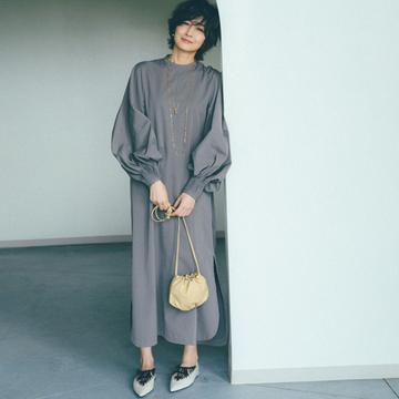 ボッテガ・ヴェネタのミニバッグ×モードな靴が今の気分【富岡佳子流・靴&バッグの最旬セット】