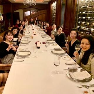 美女組メンバー集合!は、夜景が綺麗で美味しいレストラン!